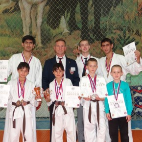 Новые медали каратистов