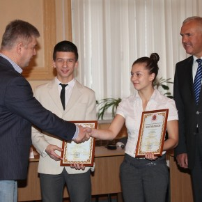 Торжественное награждение юных покровских чемпионов мира по таеквон-до