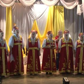 Третьего ноября на сцене городского Дома культуры прошёл праздничный концерт хора русской песни...