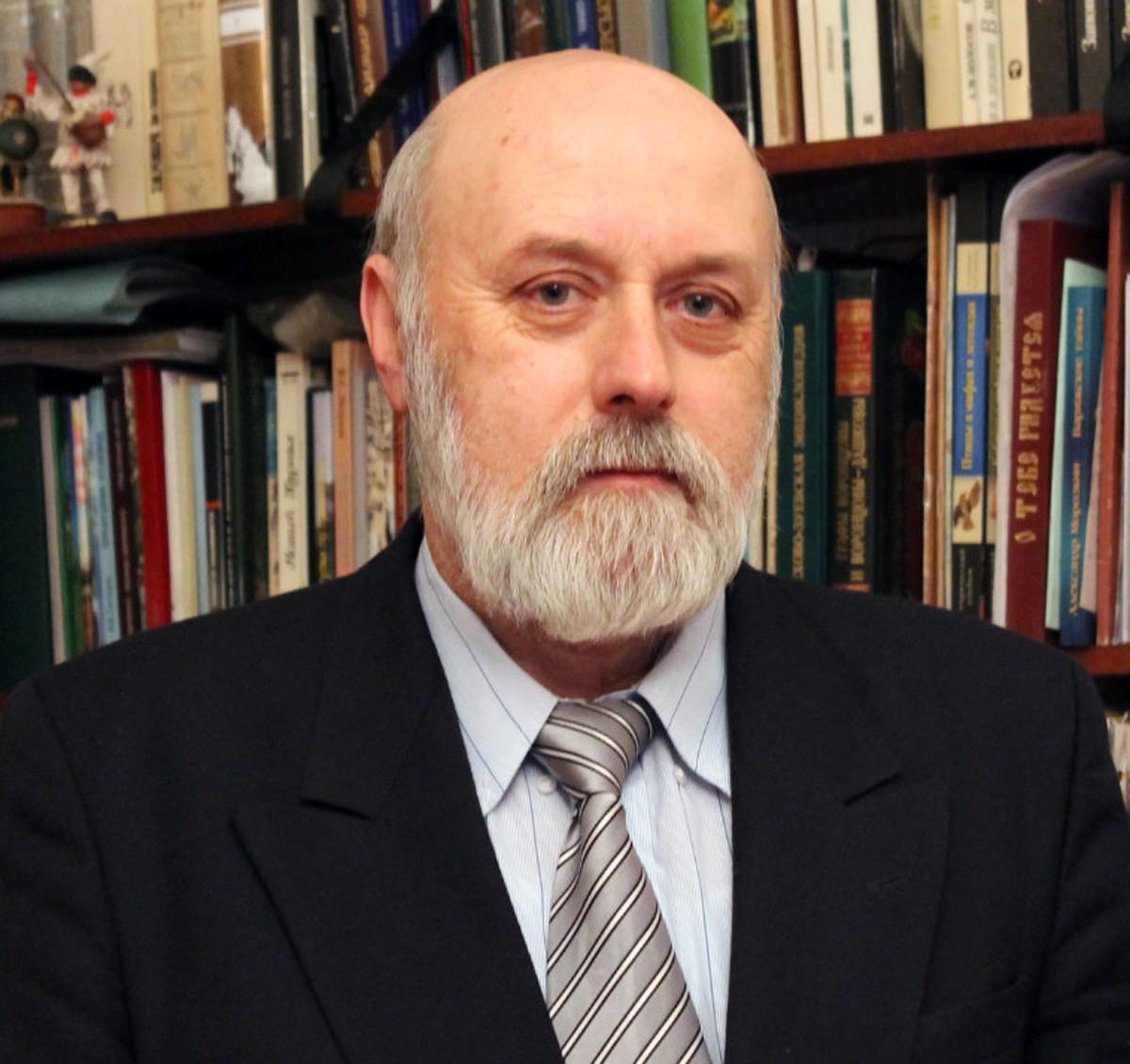 Автор книги В.Н. Алексеев