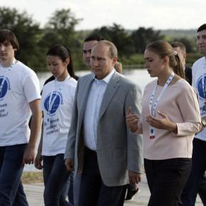 Президент России Владимир Путин встретился с участниками всероссийского образовательного форума «Территория смыслов на Клязьме»