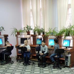 В преддверии Нового года в информационном центре «ИНТЕЛЛЕКТ»