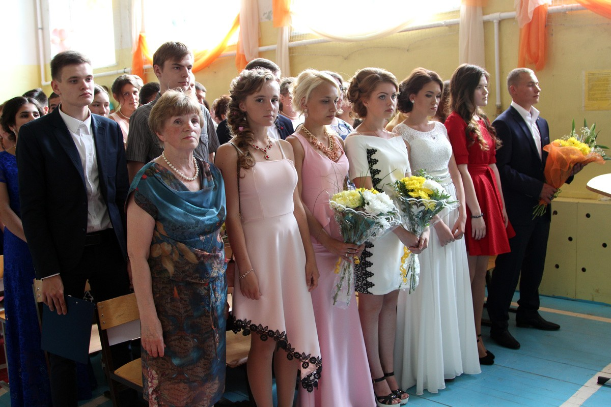 Выпускники Покровской средней школы № 2