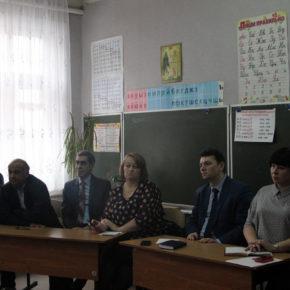 Новости Глубоковской школы: спортивная площадка и класс для взрослых