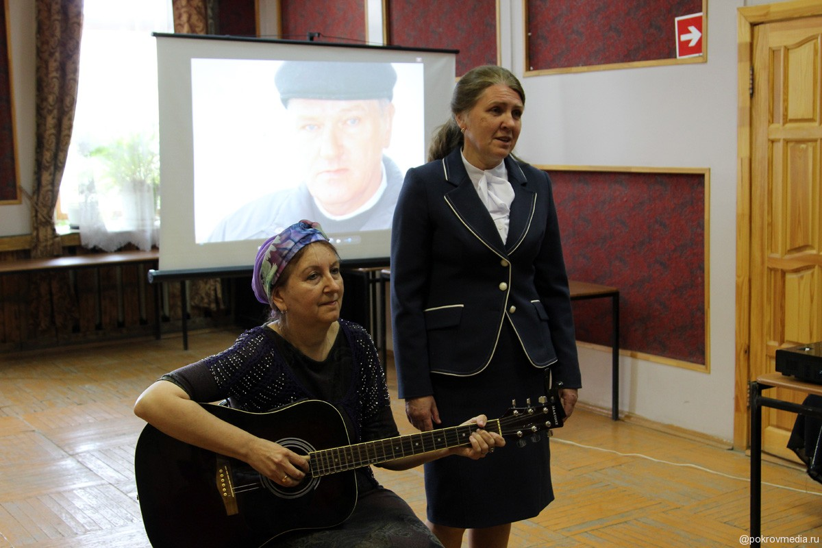 Песни на стихи Николая Дмитриева в исполнении трио «Яблонька»